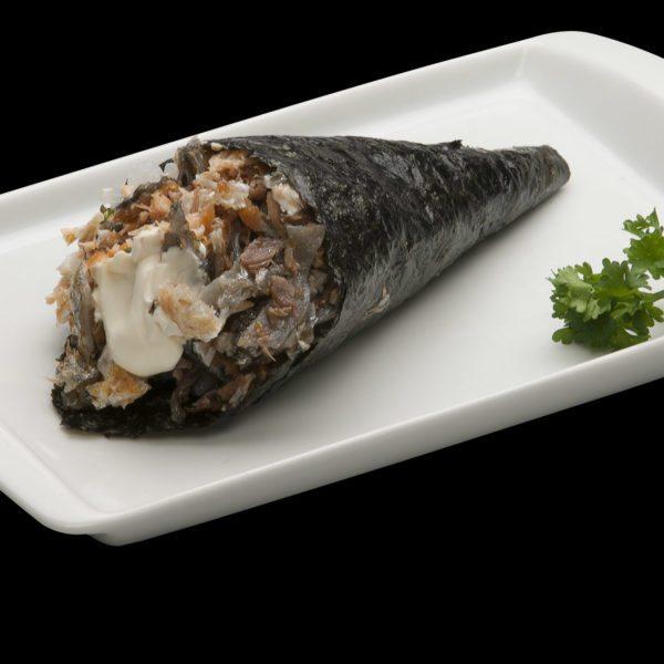Temaki Salmão Skin com Cream Cheese | Sushi Rão, Restaurante Japonês